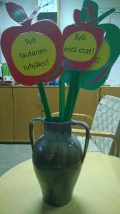 Syysloman jälkeen koulusamme kiinnitetään huomiota biojätteen vähentämiseen.